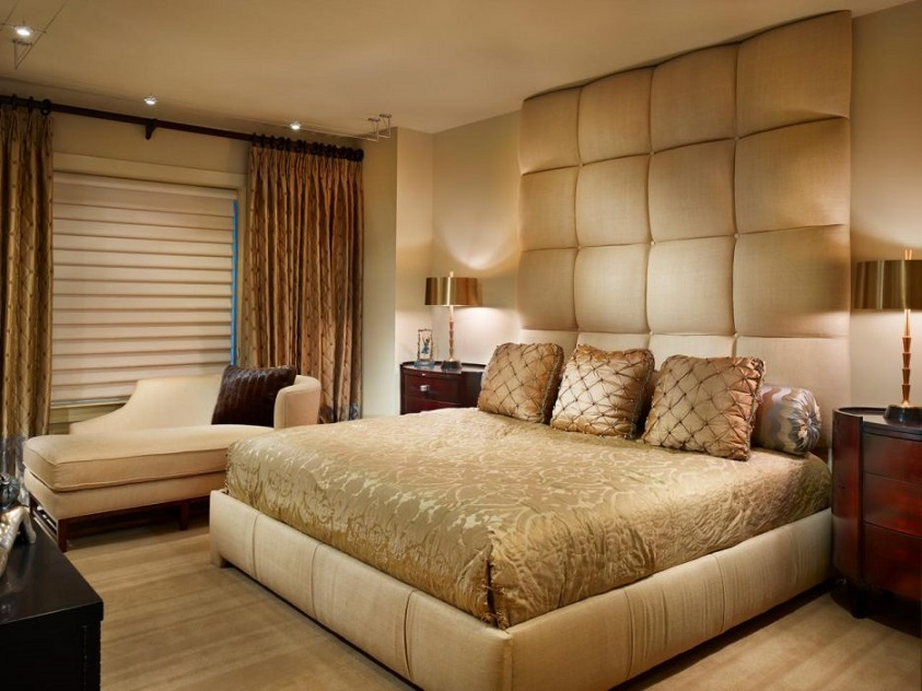 Gorgeous Bedroom Design Cream Curtains And Gold Lampshade White Sofa Id826 Master Bedroom Designs Bedroom Designs Interior Design
